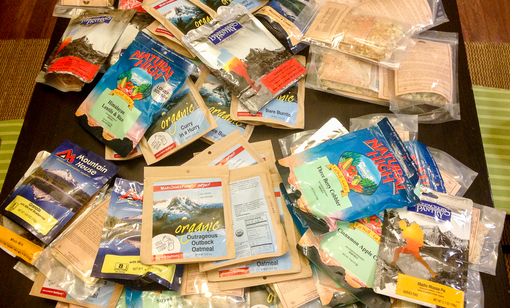 packets of freeze dried food for backpacking